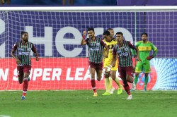 Isl 2020 21 Hyderabad Fc Vs Atk Mohun Bagan Atkmb Avoid Shock Defeat Against 10 Man Hfc