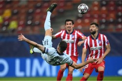Chelsea Beat Atletico Madrid Olivier Giroud Scores Overhead Kick Champions League