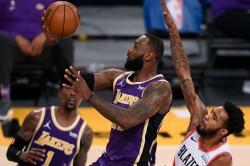 Lebron James Lakers Snap Losing Streak Jimmy Butler Heat Jazz