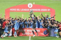 Isl 2020 21 Mumbai City Boss Bagan To Win League Winners Shield And Book Afc Champions League Spot