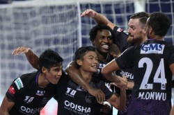 Isl 2020 21 Ofc Vs Sceb Odisha Down East Bengal In 11 Goal Thriller