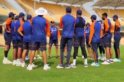 India Vs England Coach Ravi Shastri Gives A Rousing Speech As Virat Kohli And Band Begin Net Session