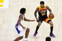 Clarksons Jazz Outgun Simmons 76ers As Nba Conference Leaders Duel In Shootout