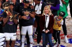La Lakers Buss Brooklyn Nets Nba