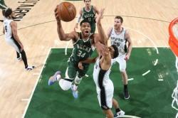 Giannis Bucks Harris 76ers Lebron James La Lakers Clippers