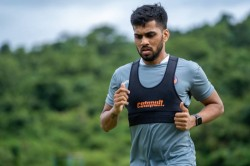 Isl Transfer Watch Brandon Fernandes To Stay With Fc Goa For Three More Years