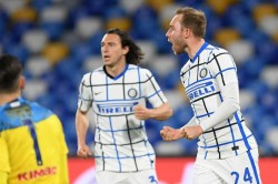 Napoli Inter Match Report Christian Eriksen Secures Point After Samir Handanovic Own Goal Serie A