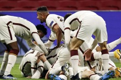 Ajax 1 2 Roma Ibanez Stunner Gives Serie A Side The Edge