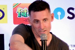 T20 World Cup 2021 Mike Hussey Says Tough To Host The Event In India As Countries Will Be Nervous