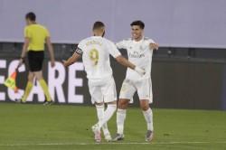 El Clasico Real Madrid Prevail Over Barcelona To Go Atop La Liga