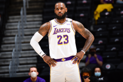 Lakers Lose Again With Lebron Ankle Worry Giannis Lifts Bucks Past Kds Nets