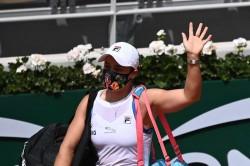French Open Ashleigh Barty Retires Hurt Roland Garros