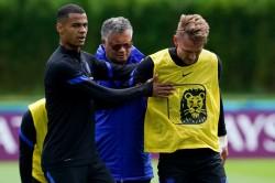 Netherlands Luuk De Jong Euro 2020 Knee Injury