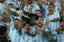 Messi Weight Shoulders Copa America Glory Neymar