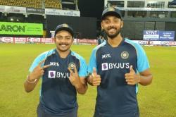 India Vs Sri Lanka Prithvi Shaw Varun Chakravarthy Make T20i Debuts As Sl Elect To Field Against