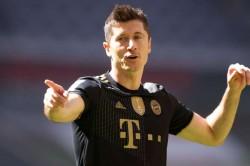 Rumour Has It Chelsea Robert Lewandowski Man Utd Varane