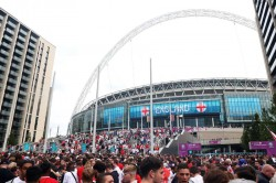 Euro 2020 Final Uefa Confirm England V Italy To Go Ahead Despite Fans Jumping Perimeter Barriers