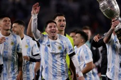 Argentina Star Lionel Messi Tearful Eclipsing Pele Record
