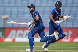 Dravid As New Coach Check Out Kohli S Reaction