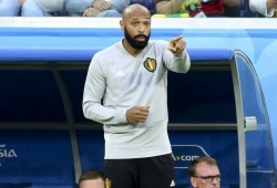 Henry quits pundit role