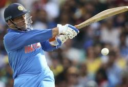 You can't calculate Dhoni's value: Gavaskar