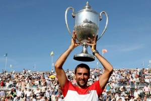 Cilic fights back to beat Djokovic in enthralling Queen's final