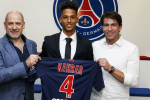 Schalke's Kehrer signs five-year deal with PSG