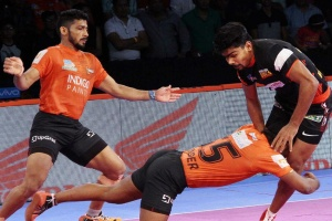 PKL 2018: U Mumba narrowly edge out Bengaluru Bulls by 39-32