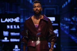 Hardik Pandya walks the ramp in Lakme Fashion Week