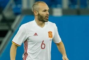 Iniesta hints at Spain retirement