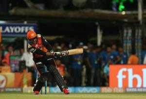 IPL 2018: SRH enter finals in style