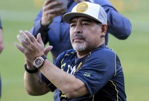 Maradona makes good start in Mexico