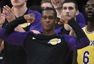 Rondo, Paul exchange punches