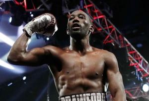 Crawford knocks out Benavidez
