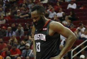 Spurs top struggling Rockets