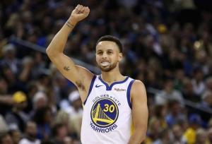 NBA: Curry leads Warriors