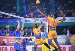Kochi Blue Spikers notch a comeback win