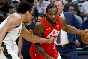 Raptors take series lead over Bucks