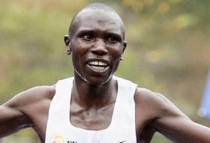 Kamworor breaks half marathon record