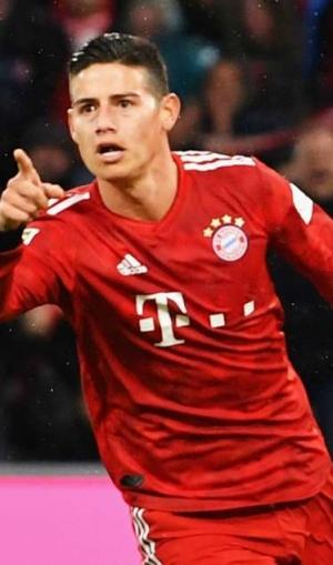 Bundesliga: James leads Bayern back to the top