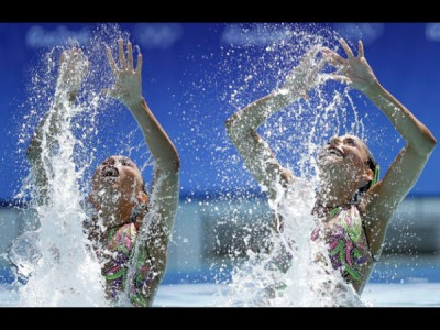 Rio 2016: Mexican swimmers perform underwater dance on
