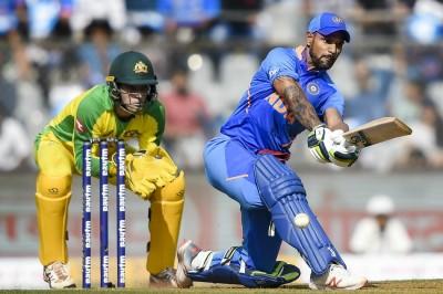 India Vs Australia 1st Odi Dhawan Says Middle Order Collapse Led To Crushing Loss Mykhel