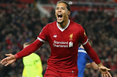 Liverpool keeper Karius backs new team-mate Virgil van Dijk