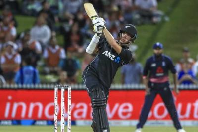 Injured Mitchell Santner to miss IPL
