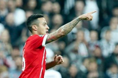 Bayern cruise into quarterfinals