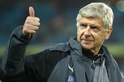 Wenger drops hint he'll carry on