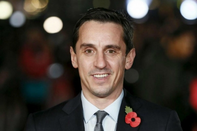 Neville pleads with Ronaldo to win CL
