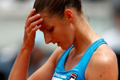 Pliskova damages umpire's chair