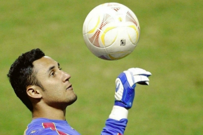 Navas to fight for number one spot