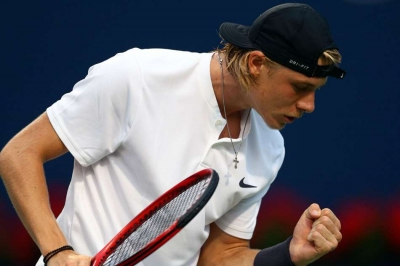 Shapovalov, Wawrinka win in Toronto